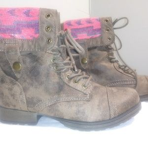 Honna combat boots in taupe